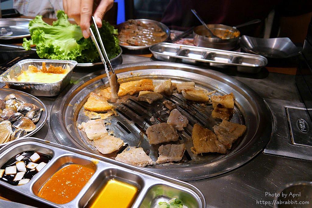 台中韓式烤肉吃到飽-阿豬媽韓式烤肉火鍋吃到飽,近中友百貨、一中街